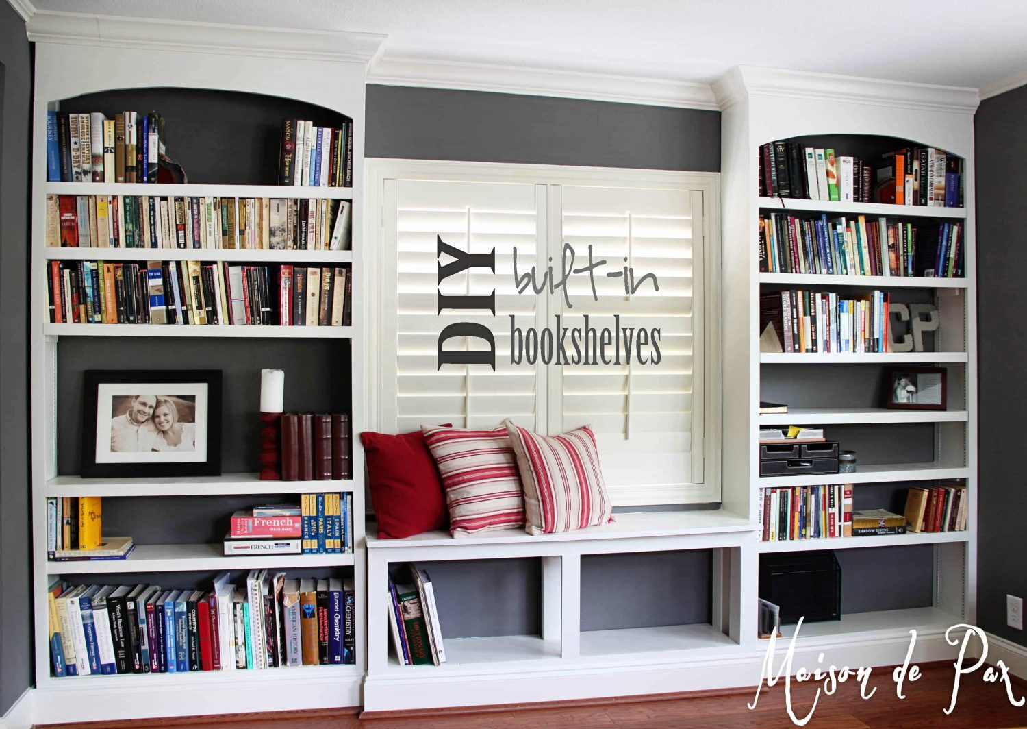 office bookshelves sign - Maison de Pax