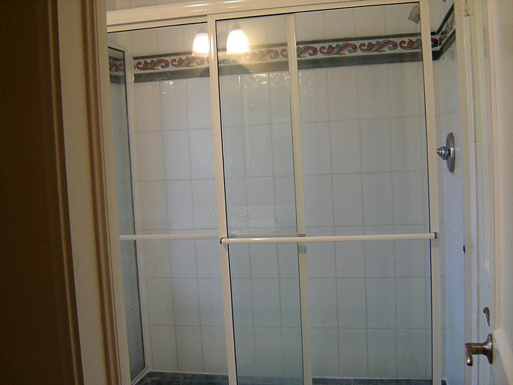 master shower before- Maison de Pax