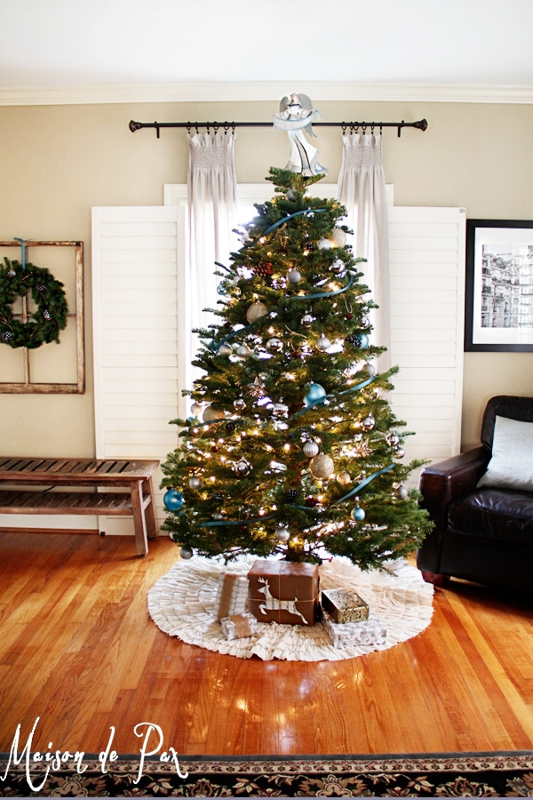 blue christmas tree vert