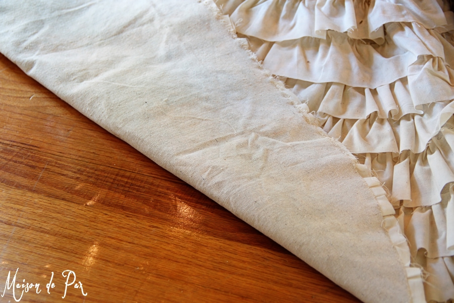 DIY ruffled tree skirt back- Maison de Pax