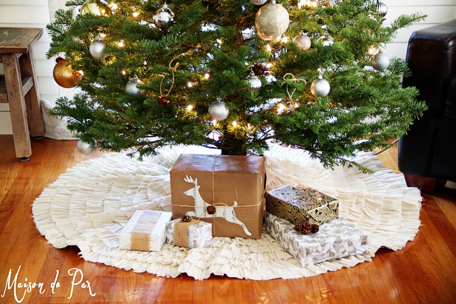 DIY ruffled tree skirt- Maison de Pax
