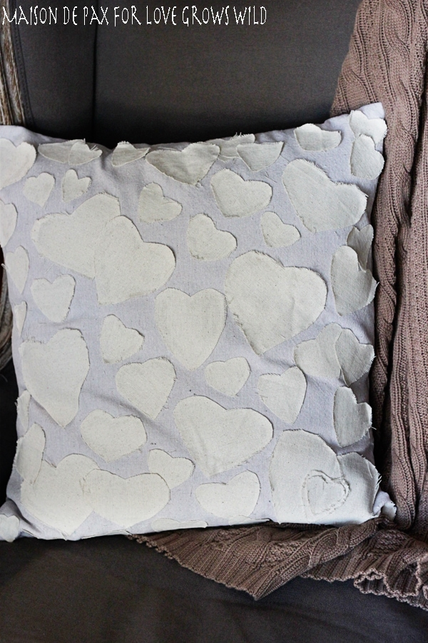 Easy Anthropologie-inspired pillow cover tutorial!