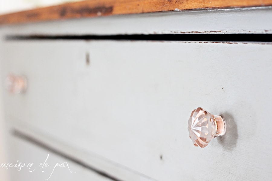 Gorgeous gray farmhouse dresser makeover using Country Chic Paint - Maison de Pax
