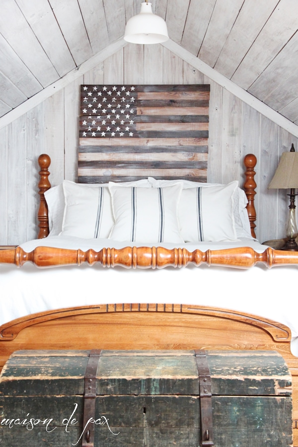 DIY planked American flag at maisondepax.com