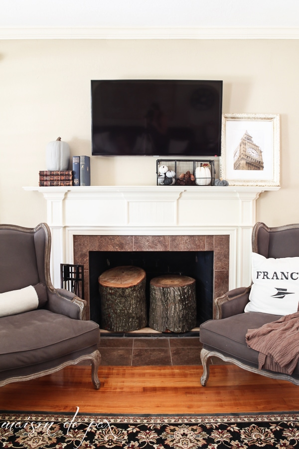 Home tour - Fall Mantel- Maison de Pax