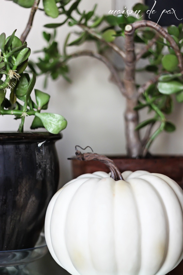 Home tour - full of fall decor items - Maison de Pax