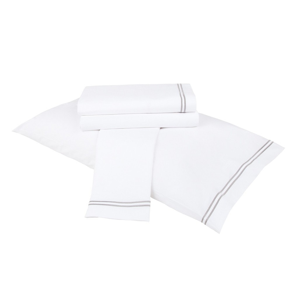 great quality sheets for your guest room- Maison de Pax