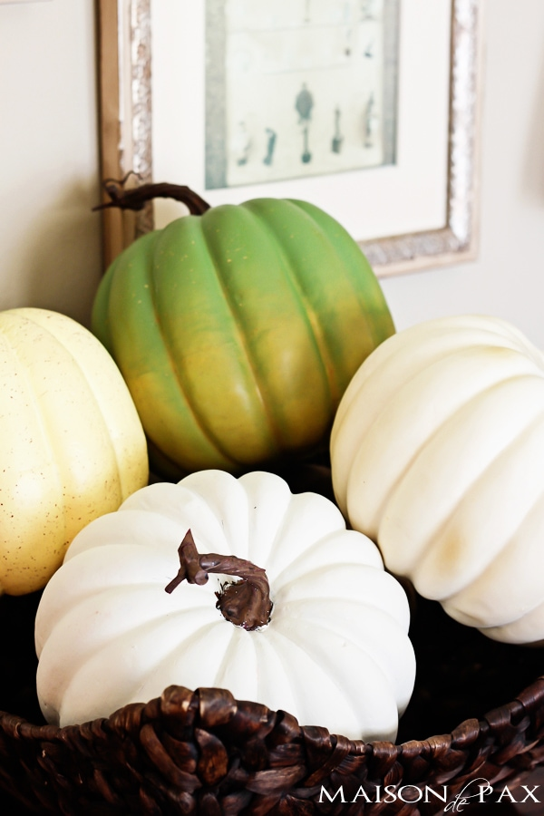 Beautiful fall home tour full of fall decor ideas via maisondepax.com #diy #fall