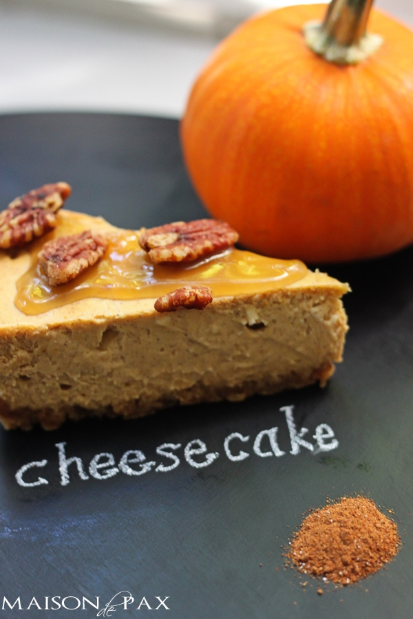 Perfect Thanksgiving dessert - praline pumpkin cheesecake: rich, creamy, spiced, and sweet via maisondepax.com #fall #recipe