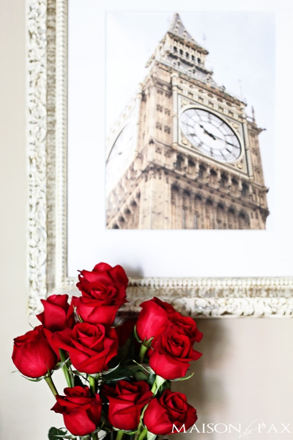 Roses and framed image of Big Ben- Maison de Pax