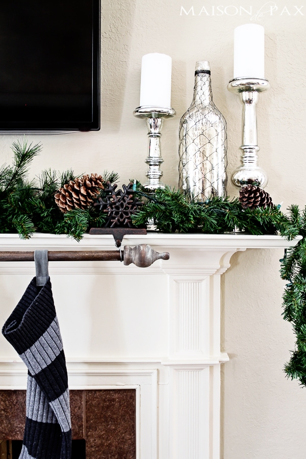 Christmas mantle- Maison de Pax