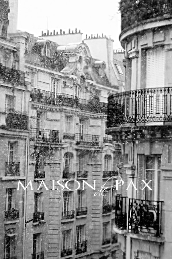 Paris on a snowy day... maisondepax.com