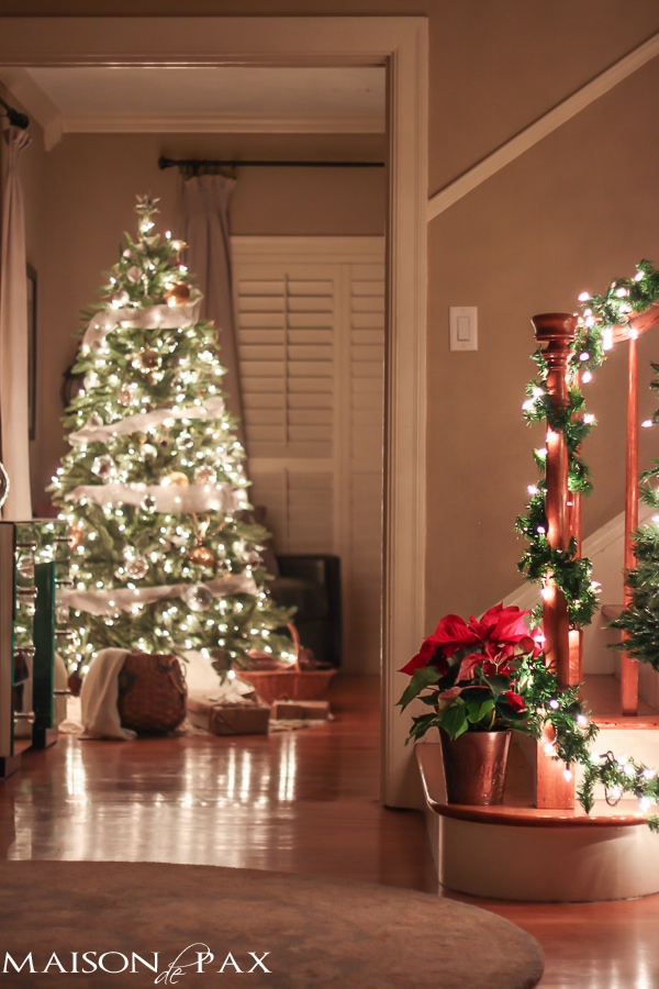 gorgeous, twinkling, holiday inspiration - beautiful Christmas lights at night via maisondepax.com