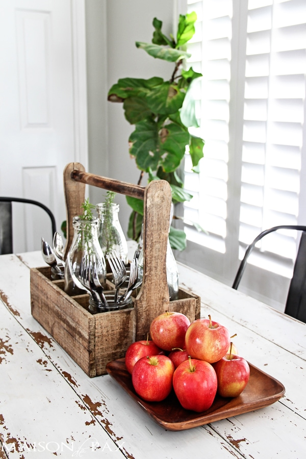 display apples: 10 tips for affordable fall decorating - such creative budget friendly ideas! | maisondepax.com
