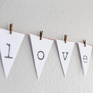 Valentine's Bunting Banner (Free Printable!)