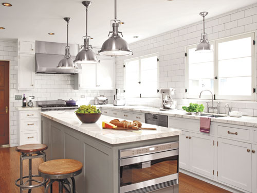 20+ Gorgeous Gray And White Kitchens