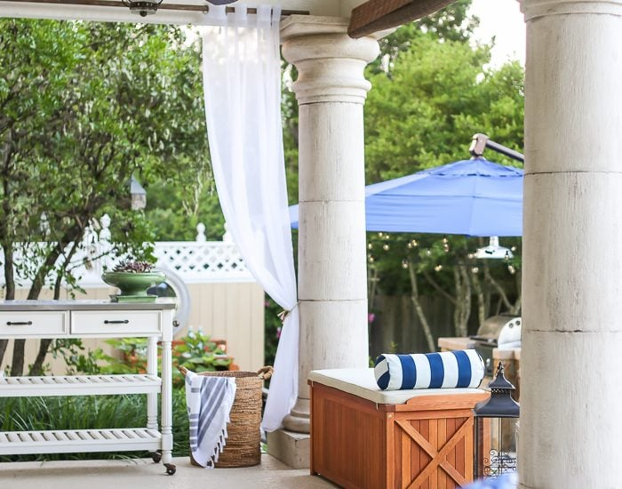 Ideas for designing a large backyard: tips for creating usable and intimate spaces in a large outdoor area #backyard #outdoorentertaining #backyarddesign