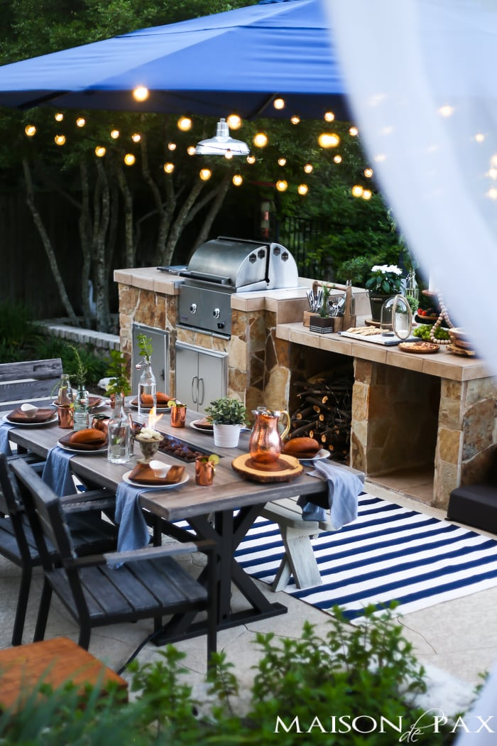 gorgeous outdoor dining and living space with so many fun decorating and summer entertainment ideas!