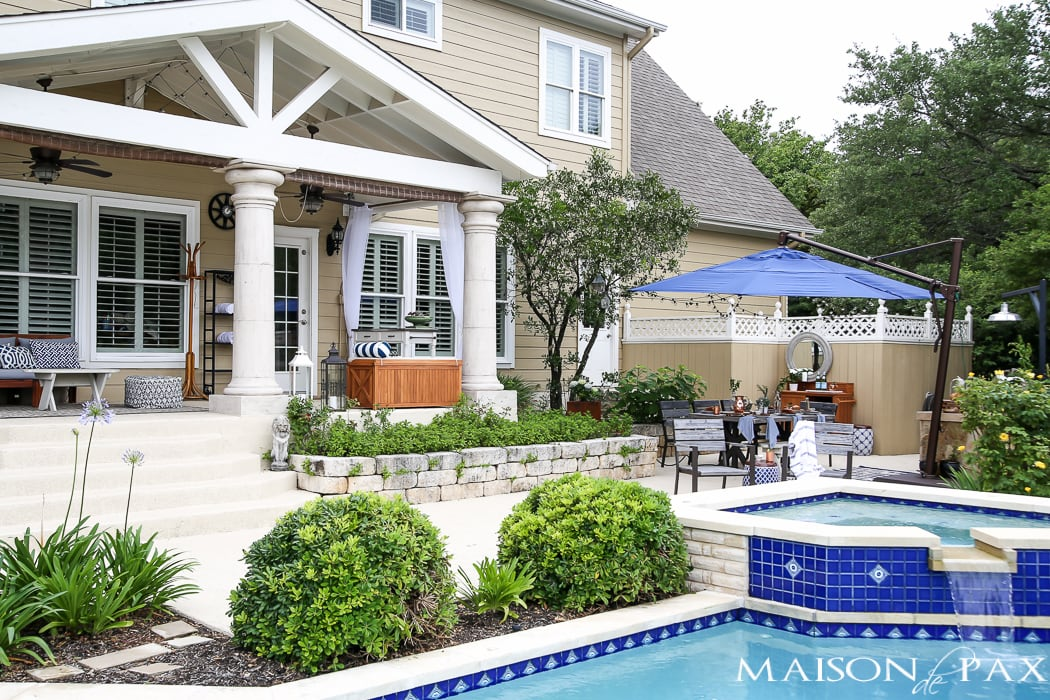 Outdoor Decorating Tips: keep it simple with blue and white