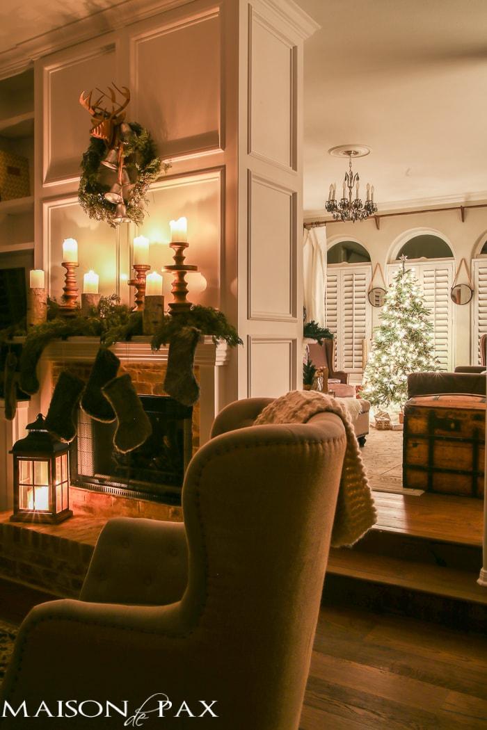 Christmas mantel and living room - Maison de Pax