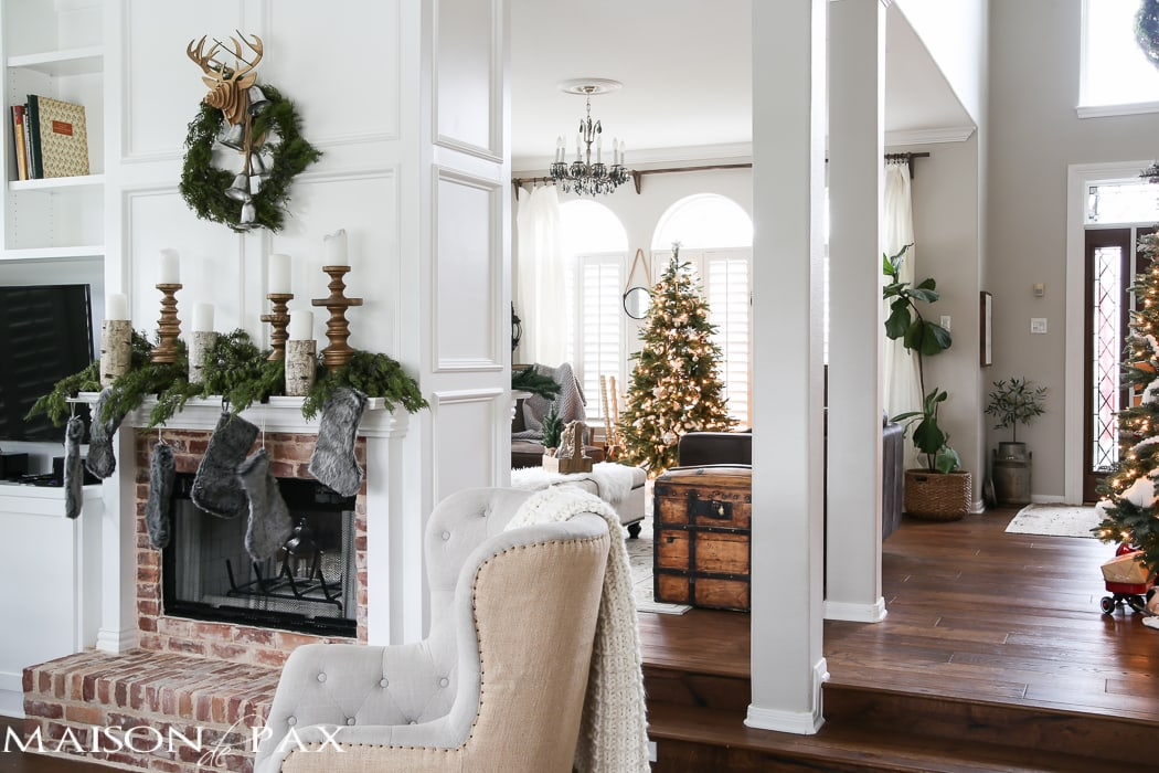 Green and white Christmas decorating ideas - Maison de Pax