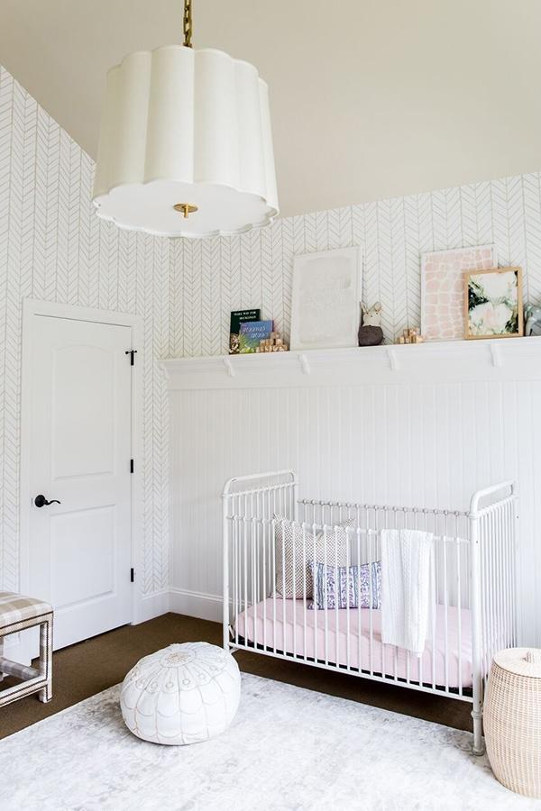 white nursery-Maison de Pax