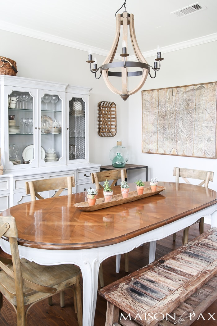 This french farmhouse inspired dining room is all set for spring use these simple spring