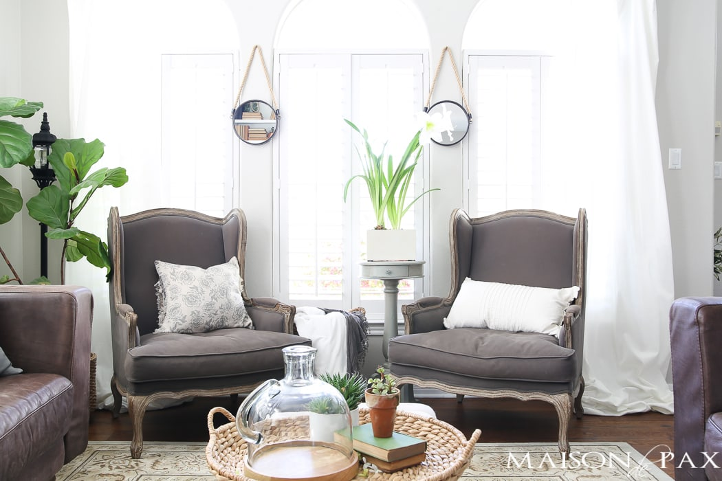 This casually elegant living room is all set to go for spring use these simple
