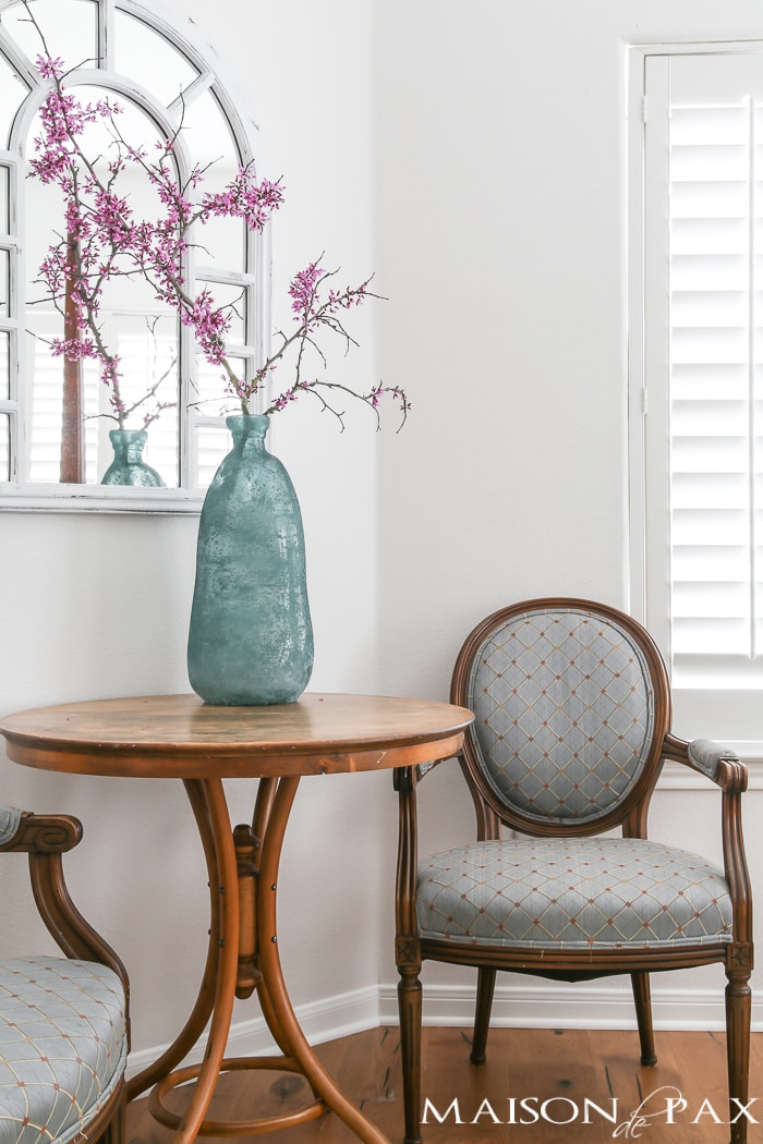 Simple neutral lovely spring decorating ideas plus 5 tips for easy spring decor