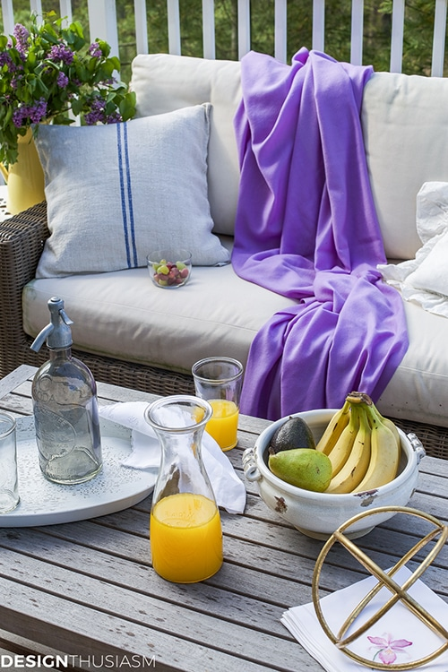 patio decor: adding summer accessories