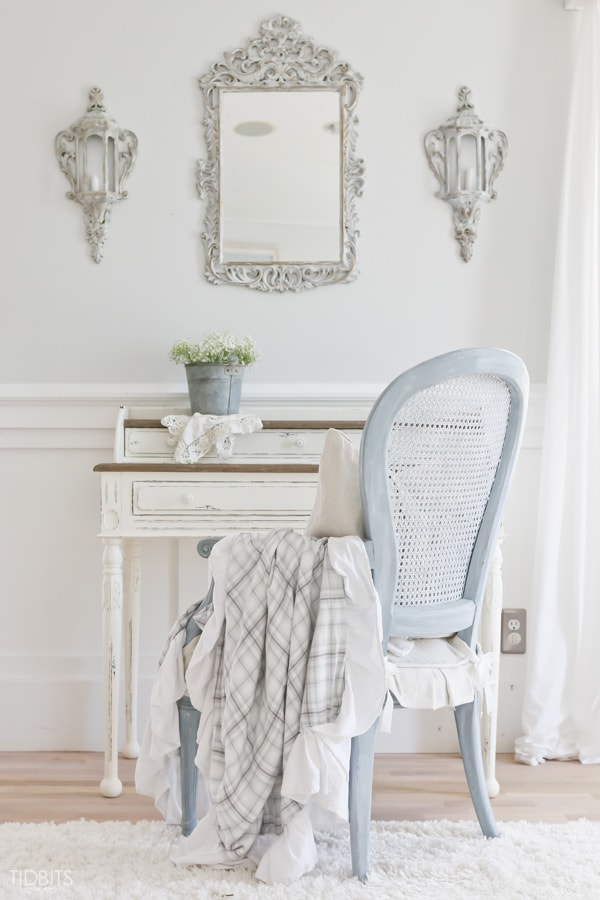 Gorgeous white living room: neutral decor, french cottage elements, diy projects, and more