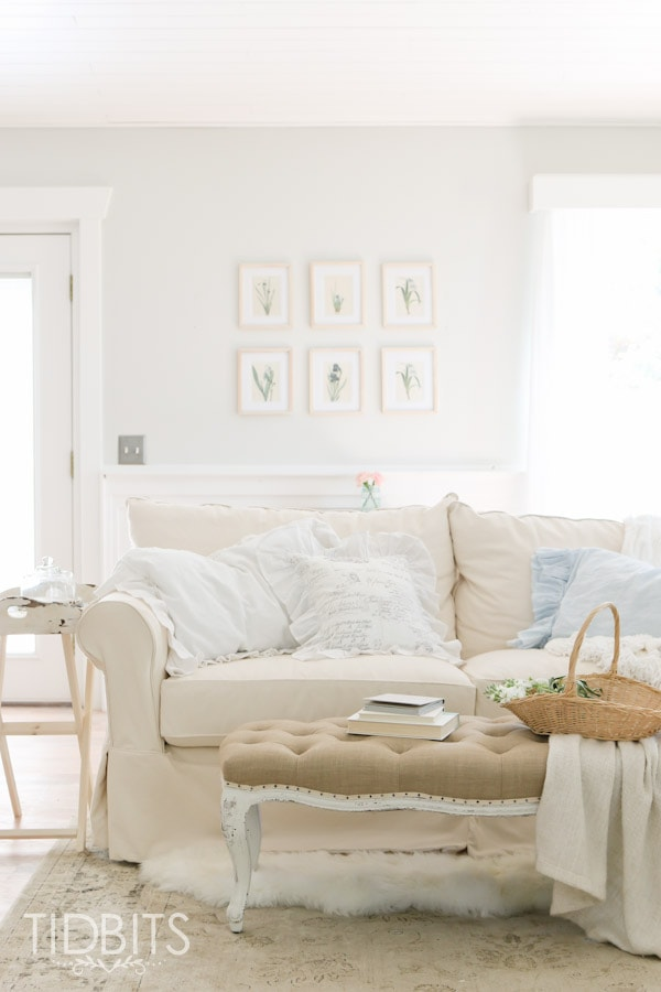 Gorgeous White Living Room Neutral Decor French Cottage Elements Diy Projects And