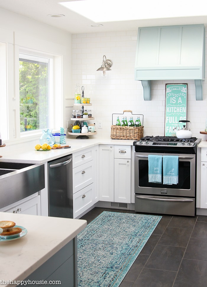 A Happy Kitchen: Such A Gorgeous Aqua And White Kitchen With Beautiful,  White Counters