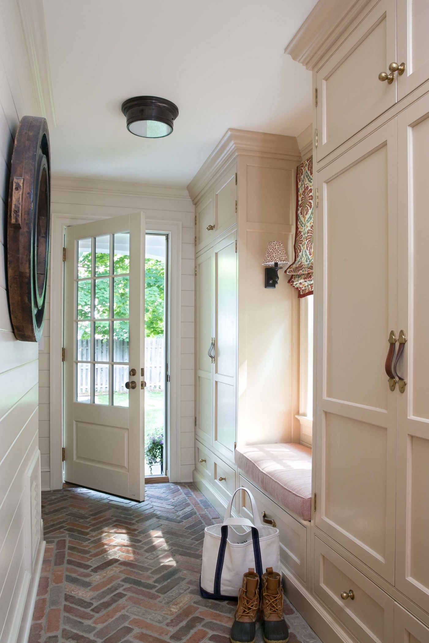 Entry Room Design: Mudroom Ideas: How To Design A Mudroom For Different