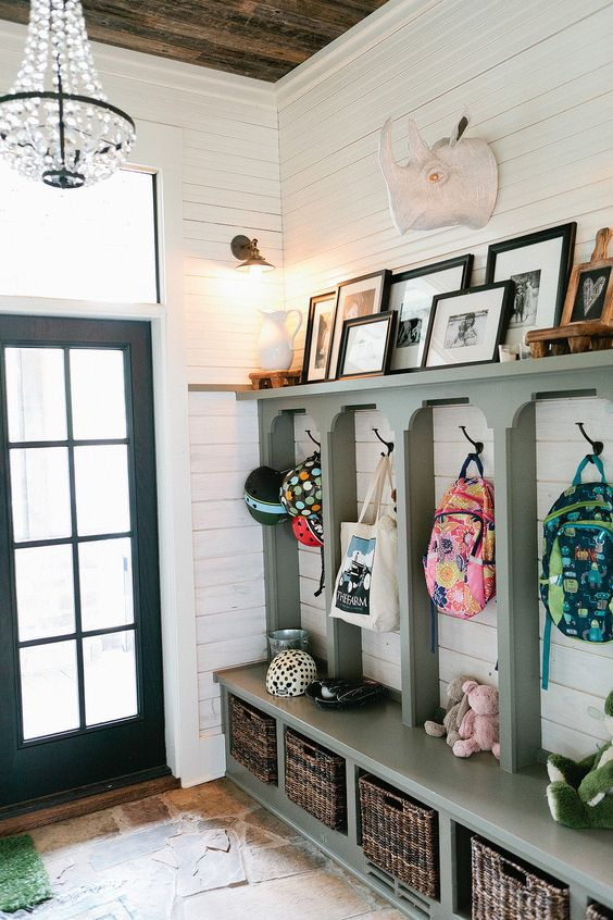 Mudroom Ideas: How to Design a Mudroom for Different Spaces - Maison ...