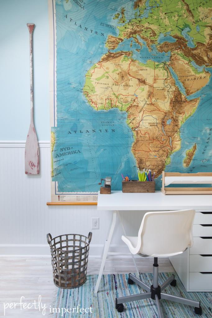 Amazing wall map! Schoolrooms, book nooks, and homework spaces: Find inspiration, design ideas, and organization tips for creating a study or reading space in your home!