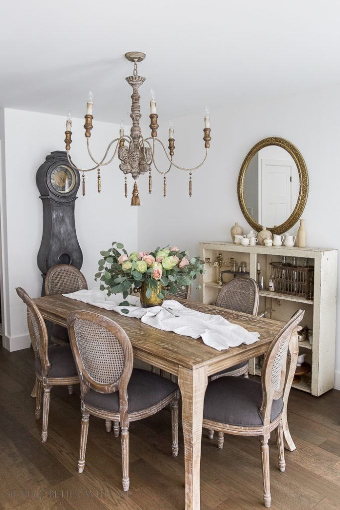 Have you wanted to create a French Vintage look in your home but don't know where to start? This post contains 8 tips on how to create the French Vintage look yourself!