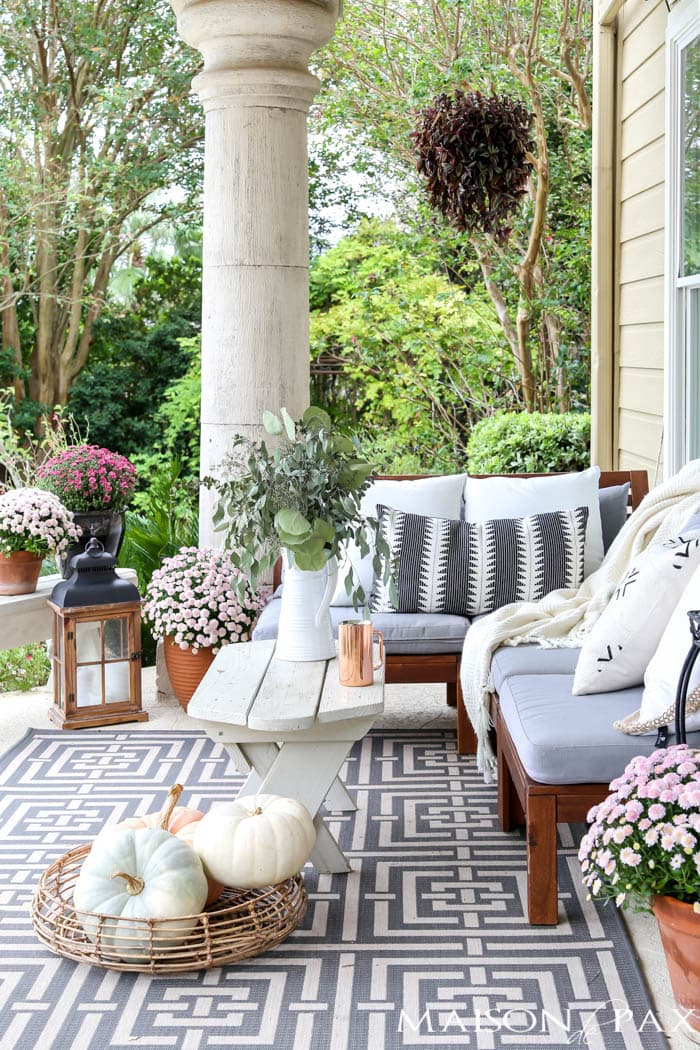 fall porch decorating with neutral accents and pale pink mums & Neutral Fall Porch Decorating Ideas and Tour - Maison de Pax