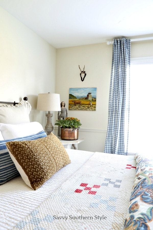 fall guest bedroom