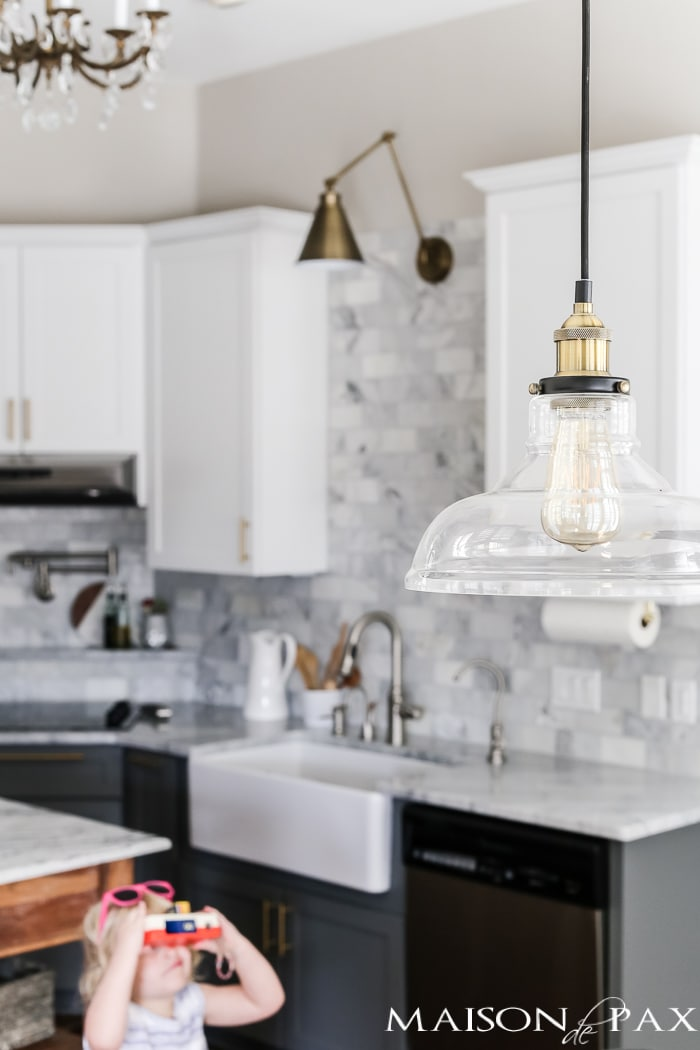 glass and brass pendant light for breakfast area #pendantlight