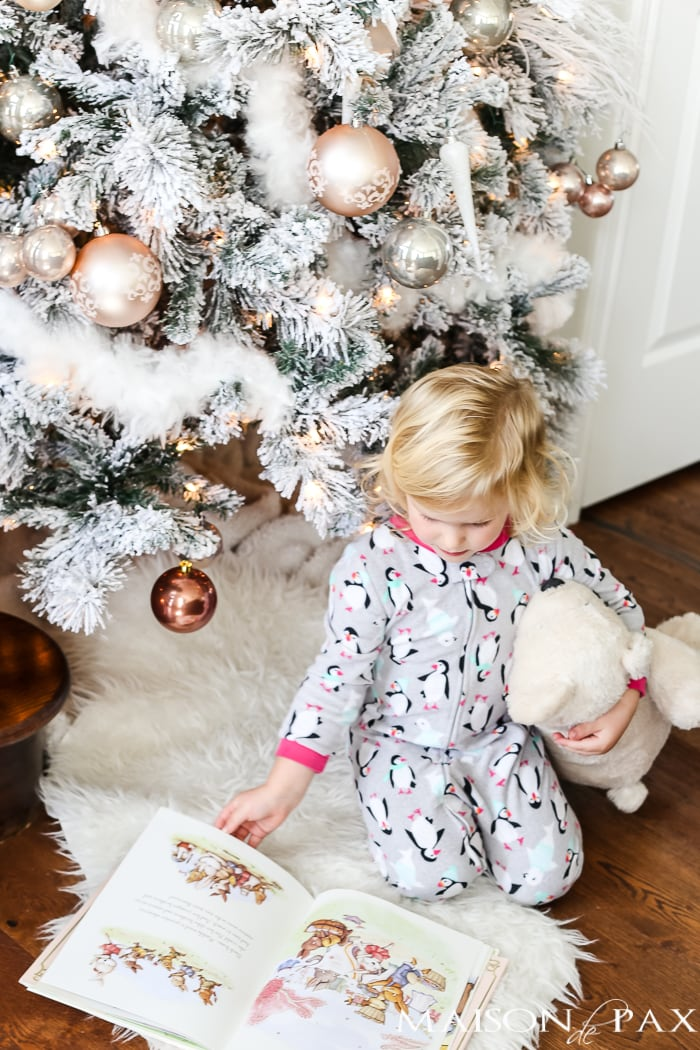 Bedtime and Books: cozy Christmas gift ideas for kids #kidsgifts