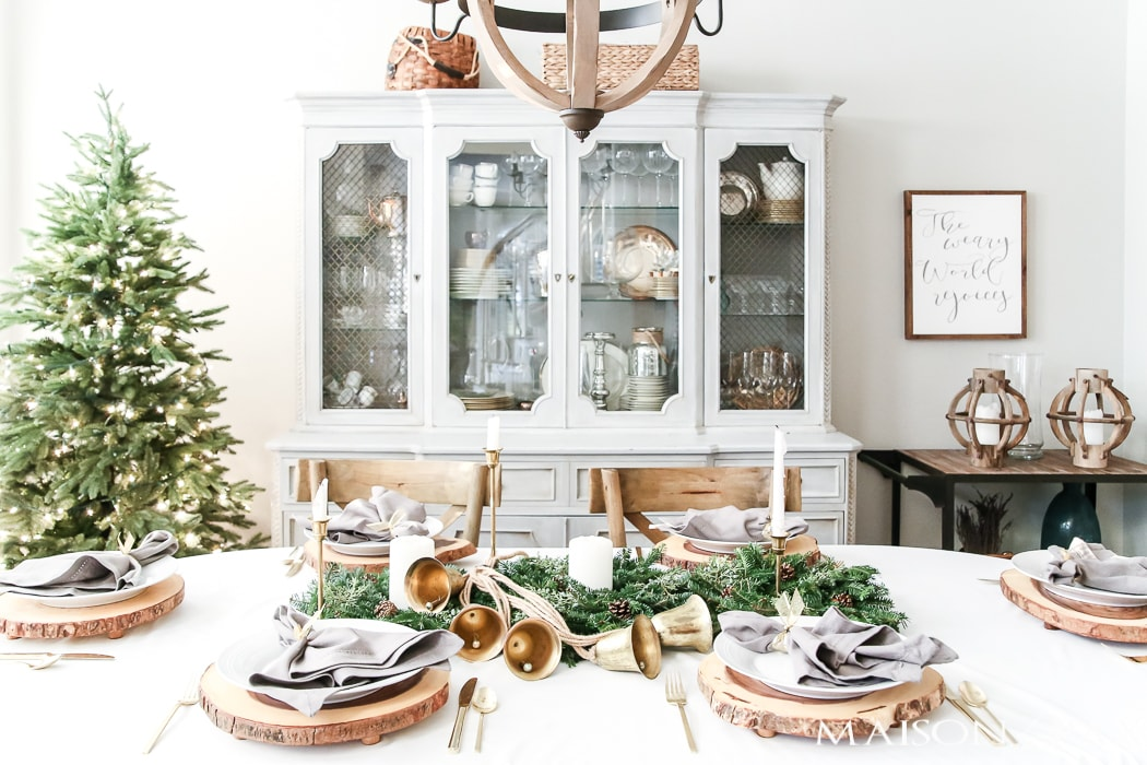 green and gold Christmas table - Maison de Pax