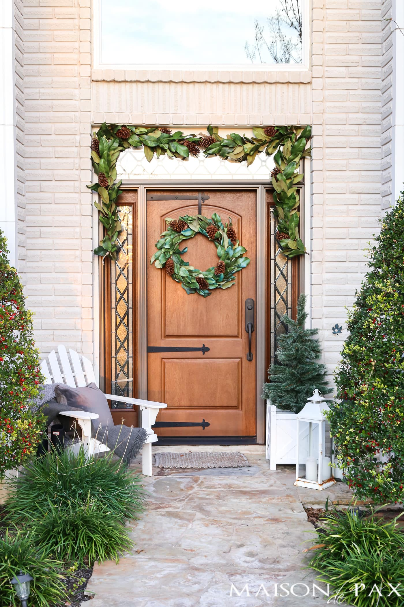 souther magnolia holiday front porch #magnoliawreath