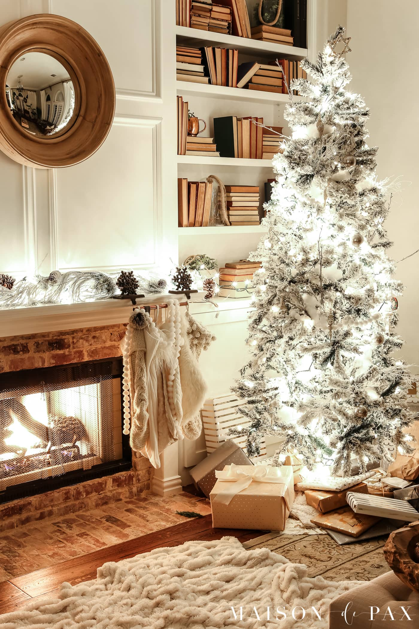 faux fur and flocked tree: gorgeous Christmas lights at night in these 25+ home tours #christmasnightstour #holidayhometour #christmaslights