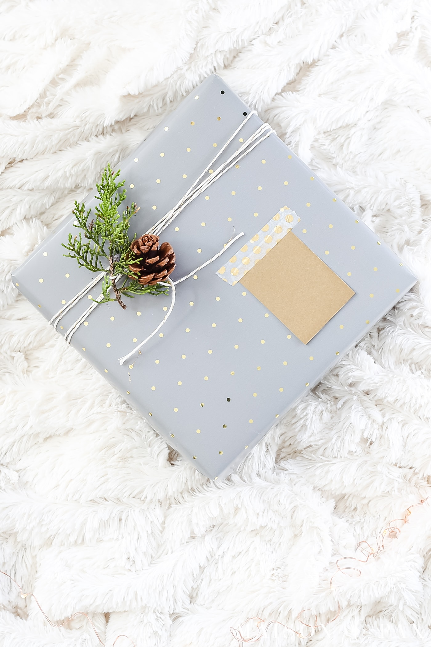 easy gift wrapping ideas: use basic baker's twine and wrap it around multiple times #christmaspresents #giftwrap