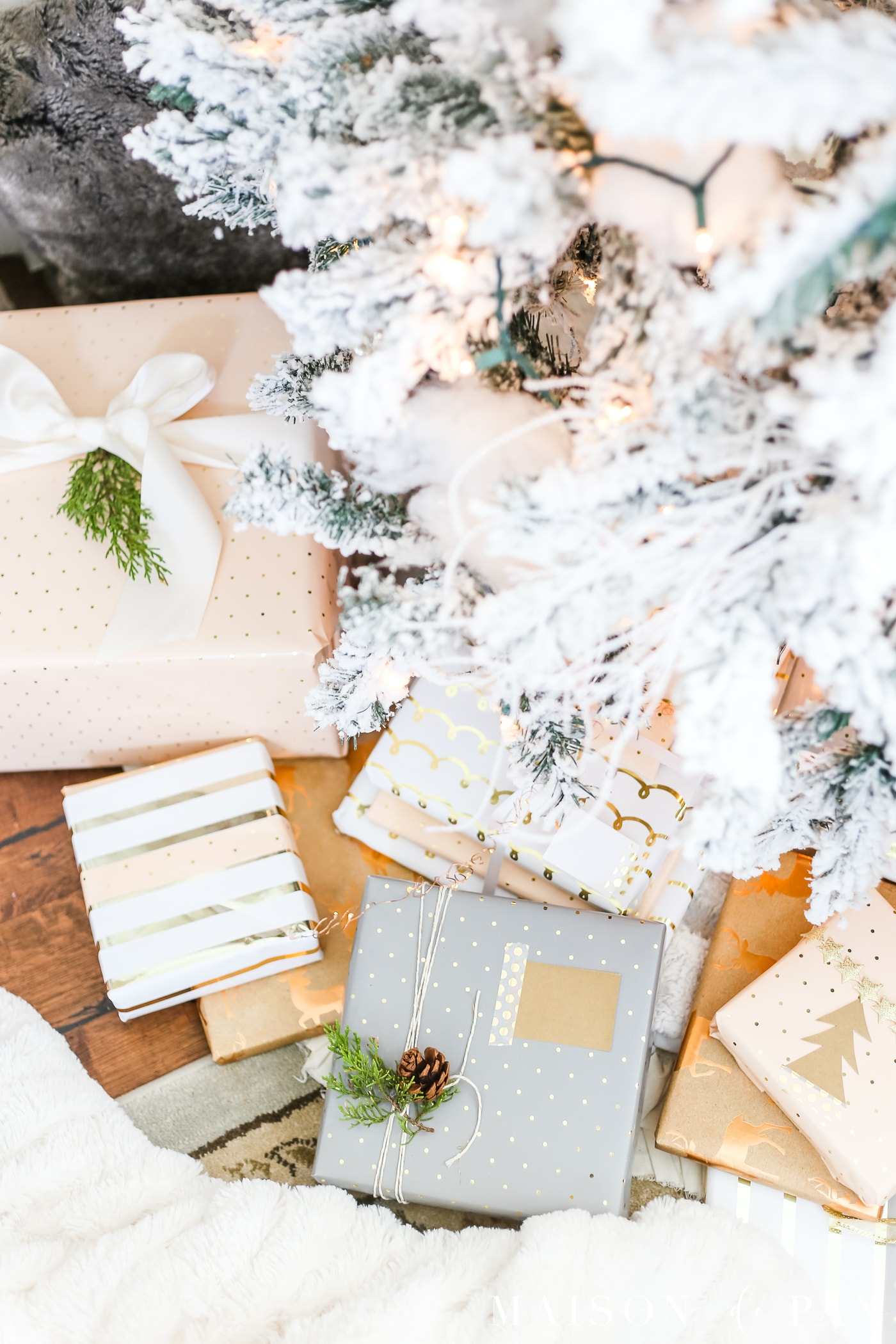 easy gift wrapping ideas: quick tips #christmaspresents #giftwrap
