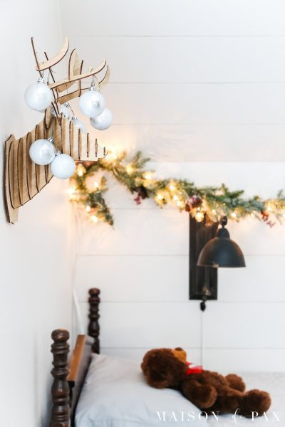 Kids' Simple Christmas Bedroom