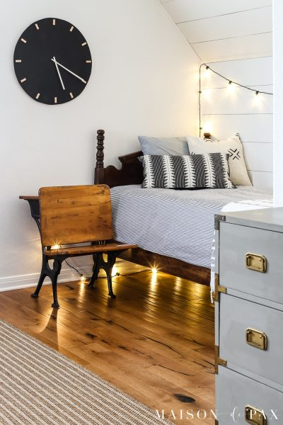 Looking for fun, dramatic, rustic modern wall art?  Learn how to make this DIY black and wood giant wall clock for cheap! #wallart #diywallart #diyclock #wallclock #giantclock #modernfarmhouse #neutraldecor #kidsroom #boyroom #modernfarmhouse #blackandwhiteinteriors