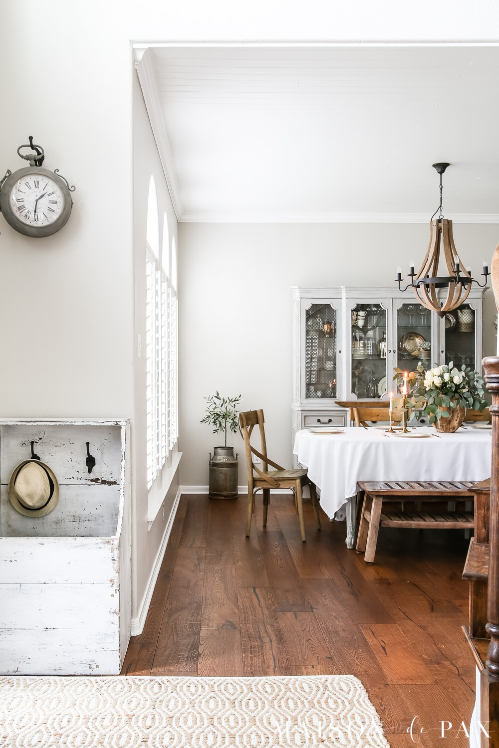modern farmhouse dining room- Maison de Pax