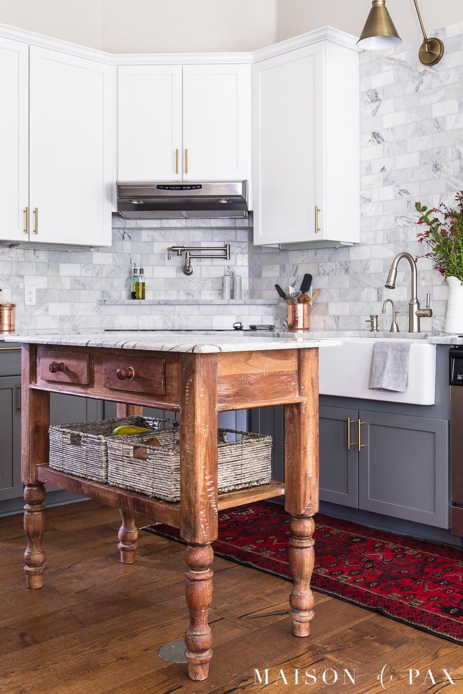 kitchen organizing ideas: easy access produce... get 5 more tips for kitchen organizing! #kitchenorganization #organizing #kitchendesign